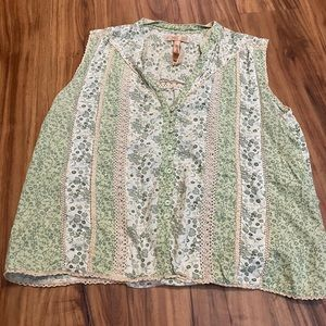 Andrew and Co Green Button Blouse Floral